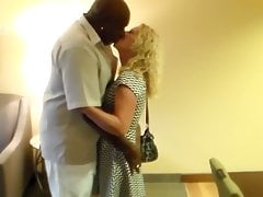 Wife has a date with a BBC in a hotel