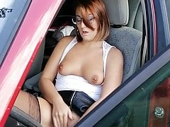 I saw this Milf wank her pussy, I joined her